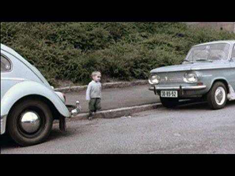 Barn og parkerte biler, 1968