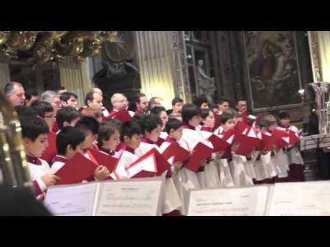 Adeste Fideles - Sistine Chapel Choir