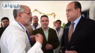 بالفيديو: محافظ مطروح يفتتح وحدة الفيروسات الكبدية ويوزع العلاج على المرضى