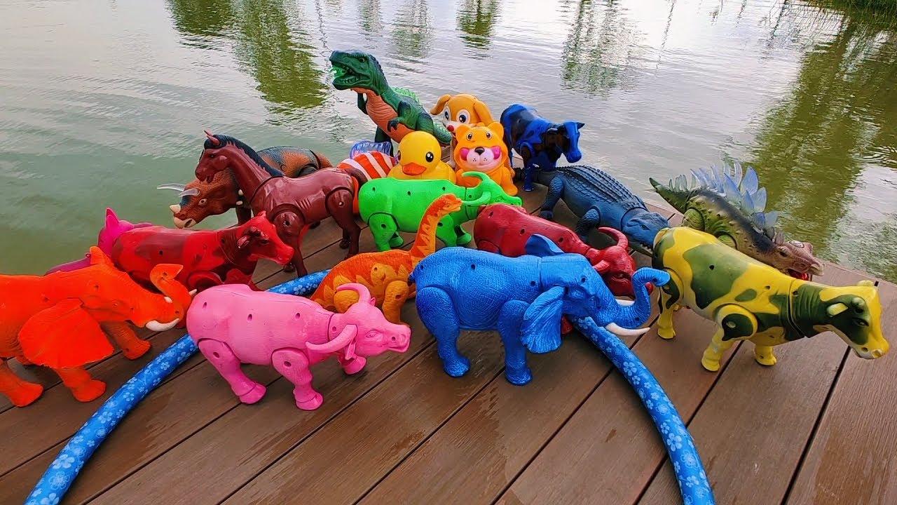 ช้าง ไดโนเสาร์ วัว ควาย ม้าวิ่งแข่งกันที่ท่าน้ำ elephant cow buffalo horse dinosaur running