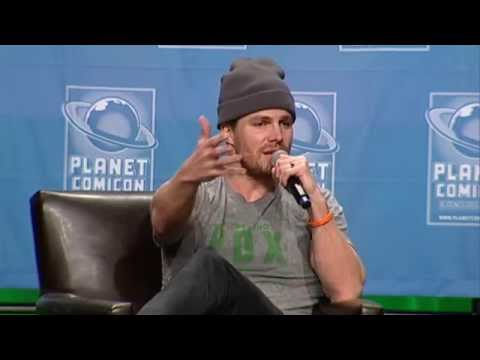 Planet Comicon 2015 Stephen Amell