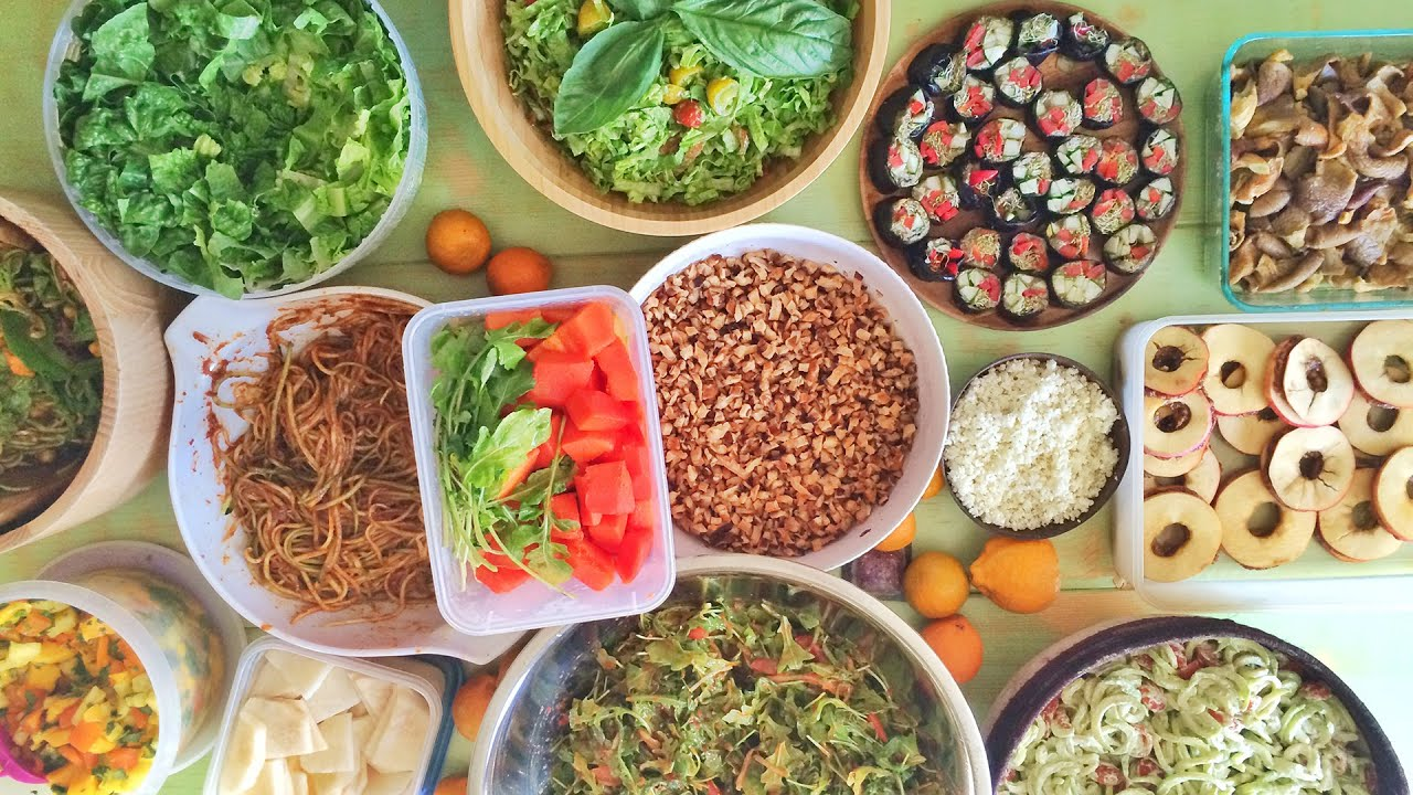 What I Ate #6: Raw Vegan Dinner Party & Game Night