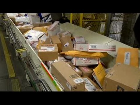 Shipping companies provide safety tips for holiday packages