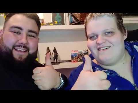 ''EXSL wird von bärtiger Mensch zu Hause überfallen und rasiert''