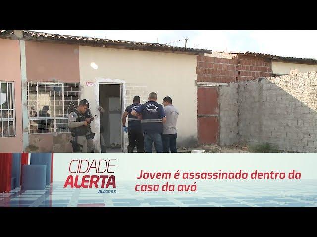 Jovem é assassinado dentro da casa da avó, em Rio Largo