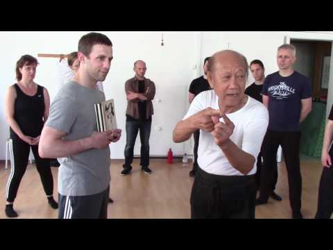 Sifu Lo Man Kam (nephew of Yip Man) demonstrate the One Inch Puch