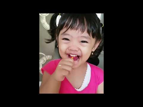 Maryam Nusaibah Abdullah   senyum haha nya kakak mana   ih kuncir kakak bagus yaa   hahah lucu deh k
