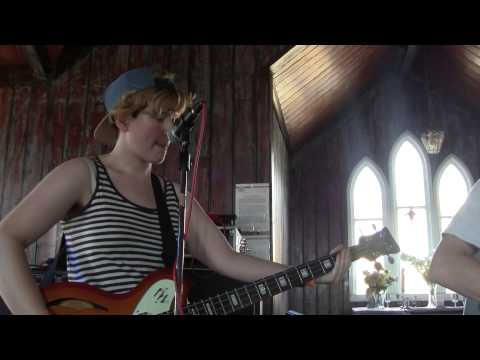 TRUST FUND (Live @ Indietracks) (27-7-2014)
