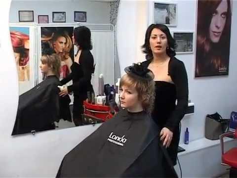 видео: Укладка на полудлинные волосы.