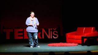 Zašto stojiš? | Jelena Radanović | TEDxNiš