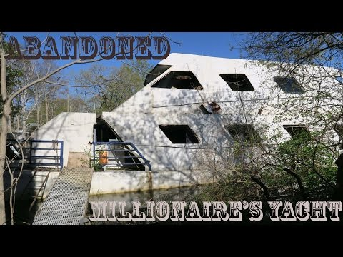 (GONE WRONG) ABANDONED MILLIONAIRE'S YACHT 24 HOUR OVERDAY CHALLENGE (ALMOST CAUGHT)