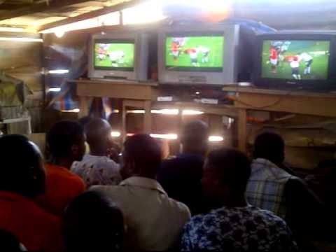 Omotosho  - Youth in a viewing center (Nigeria)