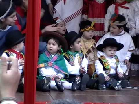 Baile de Huaylas por niños de 2 años - YouTube
