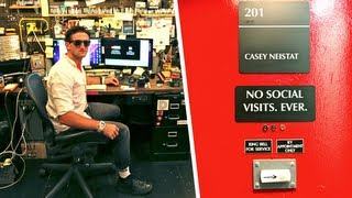 Casey Neistat's Wildly Functional Studio(This video was produced by Gizmodo and made by Michael Hession. See the original posting of the videos as well as Michael's writing in the links below part 1 ..., 2013-10-03T19:22:39.000Z)