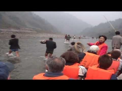 """""""Trekking"""" on the Shennong Stream, CHINA"""