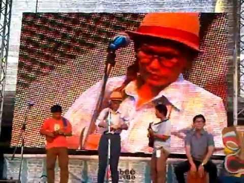 (Apple Show) รัก Take 2 at Thailand Ukulele Festival 2012