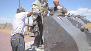 自由雕塑公园坦克人雕塑建设视频 1