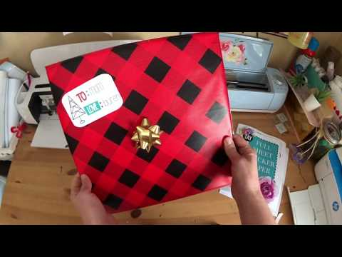DIY Gift Tag Stickers Using Your Cricut and Sticker Paper!