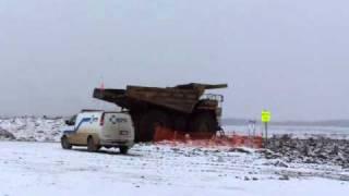 Caterpillar 777 dump truck