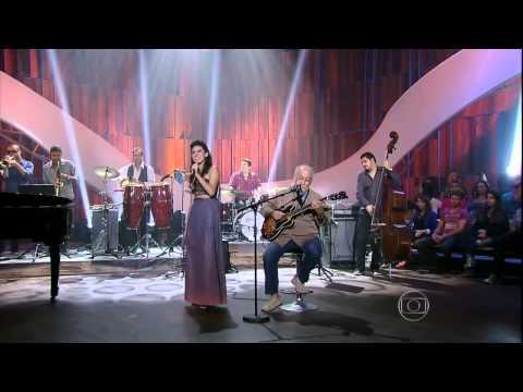 Daíra Saboia canta