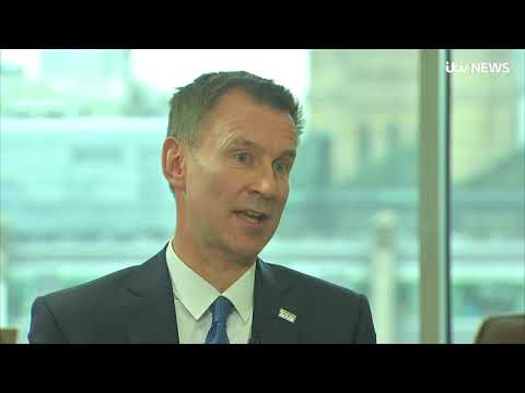 NHS: Jeremy Hunt sorry for cancelled operations