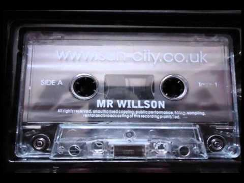 Old Skool Uk Garage mix SUN CITY live - Mr Willson 2001