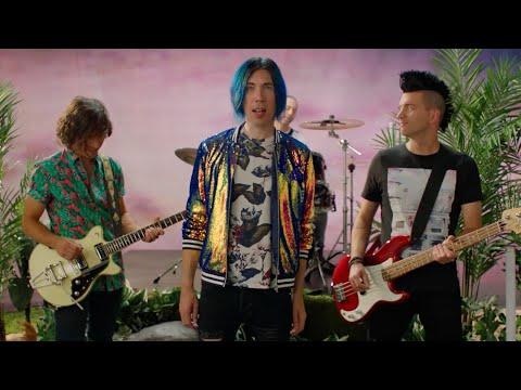 Смотреть клип Marianas Trench - Don't Miss Me?