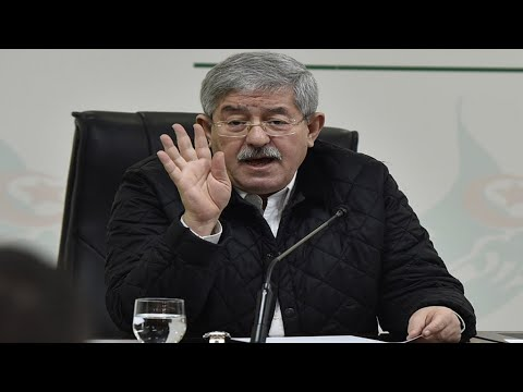 الجزائر: استدعاء رئيس الوزراء السابق أحمد أويحيى في تحقيق حول تبديد المال العام  - نشر قبل 54 دقيقة