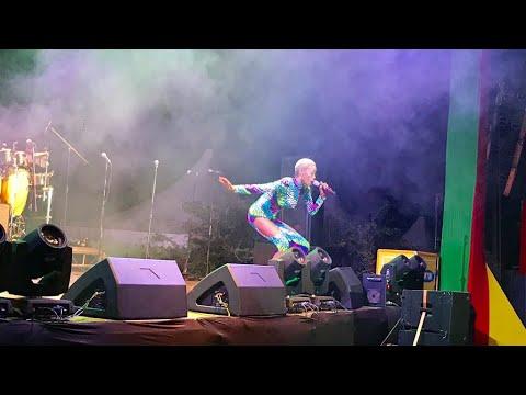 Download Nina Roz performing Anayinama at #PulseJamFest Chronixx Concert.