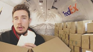 I Mailed Myself in a Box *UK to USA* (HUMAN MAIL CHALLENGE PART 3 - BY AIR)