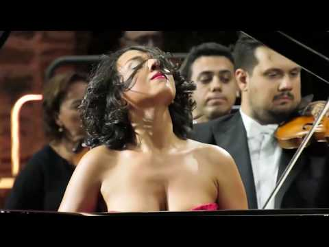 she's the breast pianist i've ever seen!