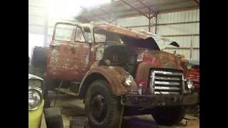 Diesel Runaway!  Detroit Diesel 4-71 Runs Away After 30 Year Start, Old Guy Saves The Day!