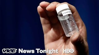 This App Warns Heroin Users When Their Drugs Are Laced With Fentanyl | World of Hurt (HBO) thumbnail