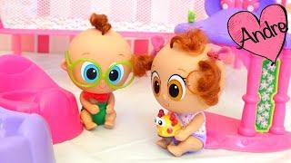 Churro y Atole aprenden a ir al baño Muñecas y juguetes con Andre para niñas y niños
