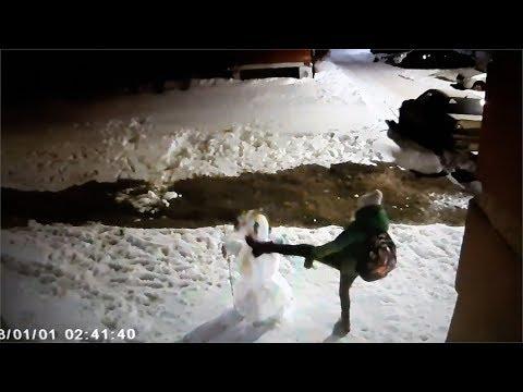 Снеговики наносят ответный удар.