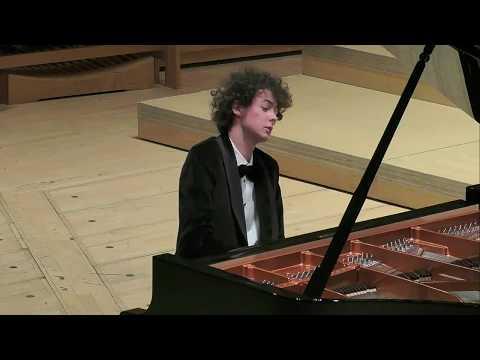 Schumann Piano Sonata No 2 op 22 (Can Cakmur)