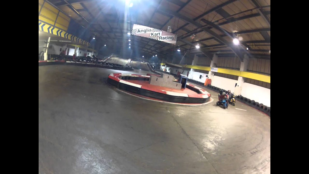 Mini moto racing at Ipswich anglia indoor karting 7/1/14 - YouTube