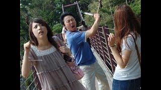 とある観光地で、通り魔殺人事件が発生。女性2名が死亡、男性1名が重傷...