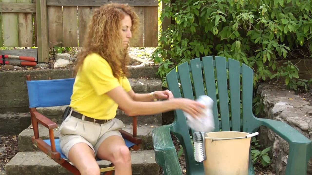 cleaning plastic deck chairs