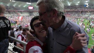 Malvoyant, Charles vit les matches de foot grâce à son grand-père
