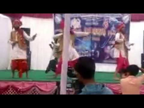 bhangra gabru videos putt jattan de Surjit Bindrakhia songs by college students
