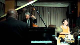 Junior Mance Trio - I Wish I Knew How It Would Feel to be Free
