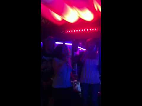 Canet Check karaoke
