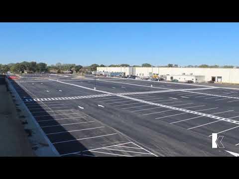 E-Commerce Parking Lot Time-Lapse - Bridgeview, IL