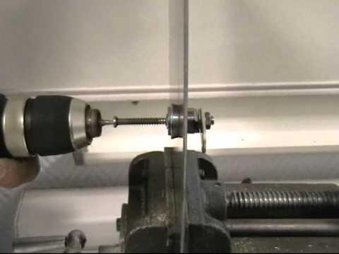 Вытягивание цилиндра SUZO Venia   Взлом замка SUZO Venia с помощью самореза и вытяжки (Взлом замка SUZO Venia с помощью самореза и вытяжки.Время взлома 1 минута)