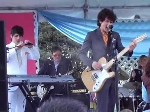Jonas Brothers -