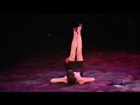 Marion Rose {Kansas City, MO} performs at the 2017 Kansas City Burlesque Festival