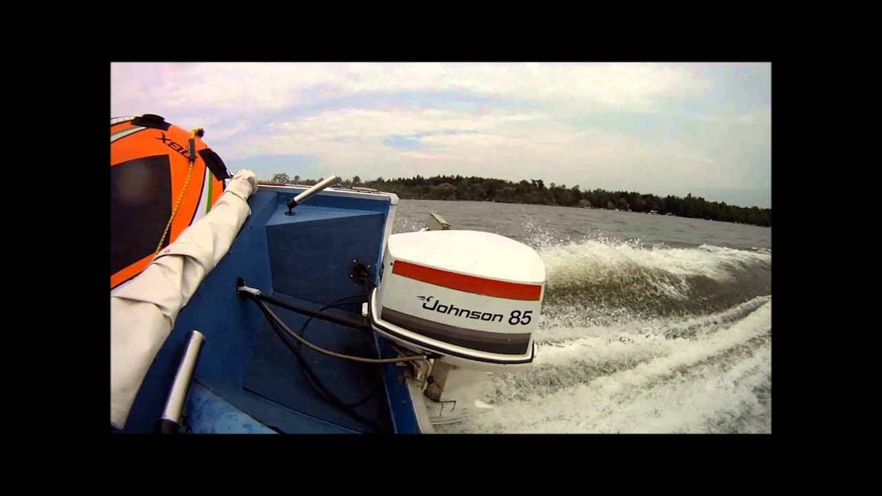 1977 johnson outboard 85hp youtube for Oil to gas ratio for johnson outboard motors