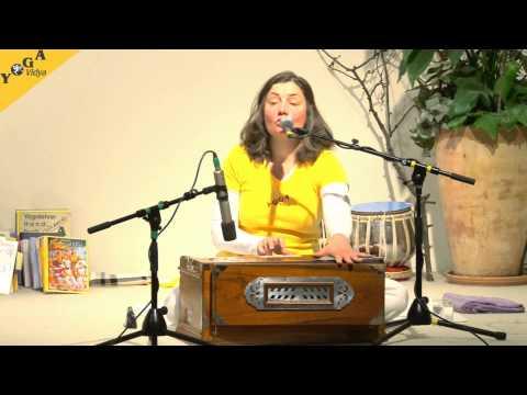 Bhajo Radhe Krishna, Zeilen aus dem Lied Song of Will – Soham – gesungen von Katyayani