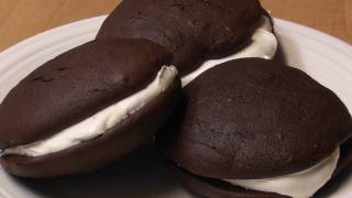 Whoopie Pies W/ Marshmallow Filling